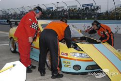Trouble for the #23 Pontiac GTO