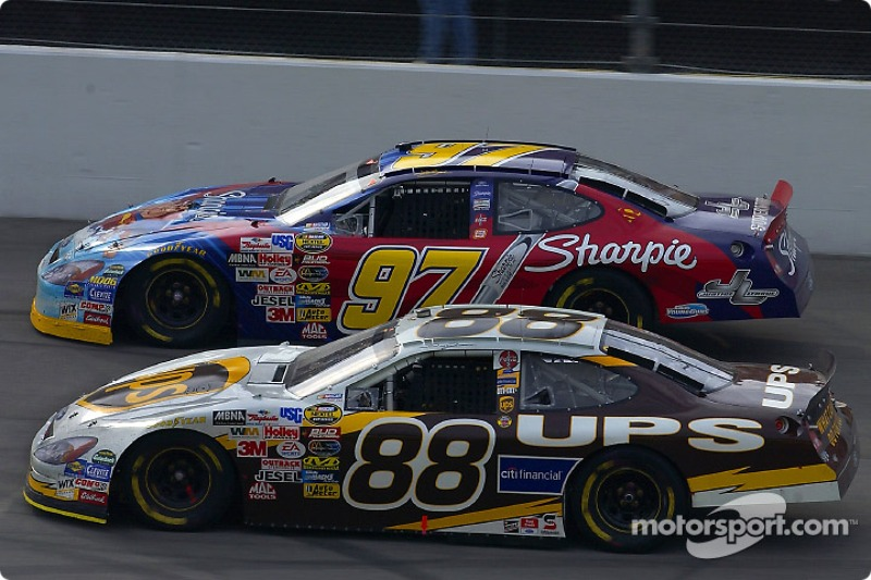 TORA TASCAR Season 8 - Media - Page 2 Nascar-cup-michigan-ii-2004-dale-jarrett-and-kurt-busch