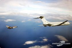 A Tornado get refueled by a VC10