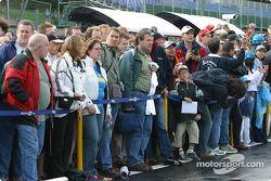 Fans, pitwalk