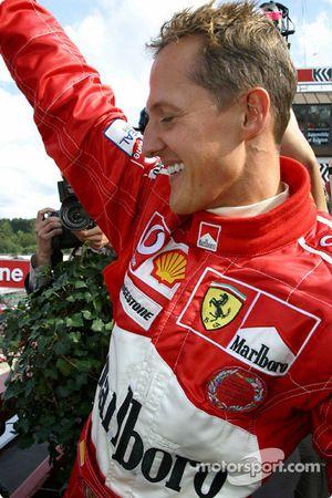 Podyum: Michael Schumacher kutlama yapıyor Dünya Şampiyonası