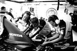 BAR-Honda takım elemanları, work