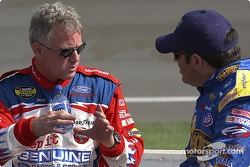 Ricky Rudd and Jeff Green talk before qualifying