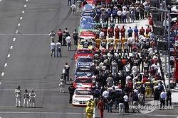 Les pilotes et les équipes se préparent pour le Target House 300
