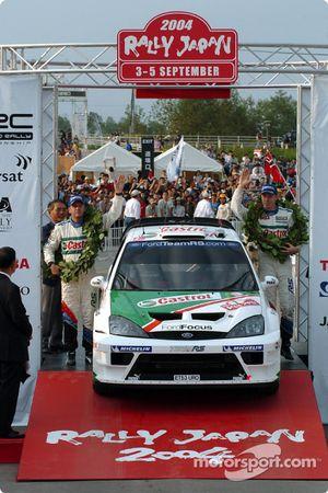 Podium: Markko Martin and Michael Park celebrate third place finish