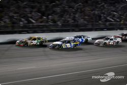 Restart: Elliott Sadler leads Mark Martin and Kasey Kahne
