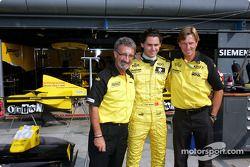 Eddie Jordan, Can Artam et le patron de Super Nova Racing David Sears