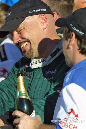Paul Gentilozzi fête son titre 2004 en Trans-Am series