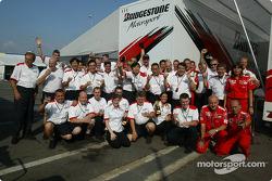 Célébrations de la victoire chez Bridgestone