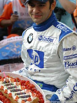 Fête d'anniversaire pour Antonio Pizzonia