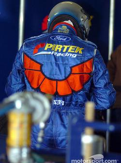 Greg Ritter se prépare pour son changement de pilote avec Marcos Ambrose