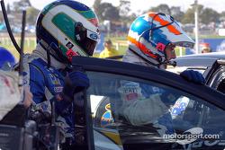 Craig Lowndes out et Glenn Seaton dans la voiture