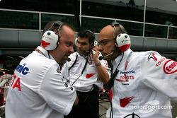 Mike Gascoyne avec Gianvito Amico et Dieter Gass