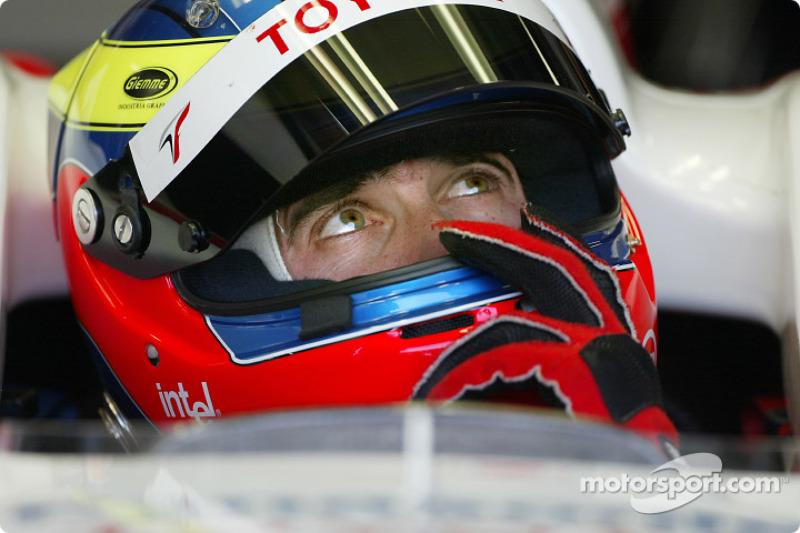 2005 год. Рикардо Зонта. 1 выезд на старт (но не гонка) в Toyota