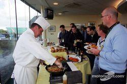 Jordan konuk alanı put, lunch for sponsors ve konukları