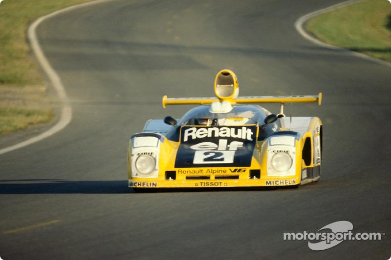 La Renault-Alpine A442B n°2 Renault Sport : Didier Pironi, Jean-Pierre Jaussaud