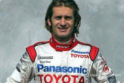 Photoshoot : Jarno Trulli dans sa nouvelle combinaison