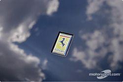 Une Ferrari dans le ciel