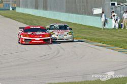La Ferrari 360GT n°11 JMB Racing USA : Matt Plumb, Maurizio Mediani, la Porsche GT3 Cup n°37 TPC Racing : John Littlechild, Spencer Pumpelly