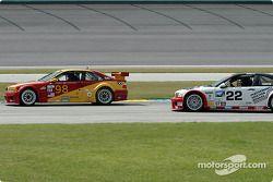 La BMW M3 n°98 Alegra Motorsport/GT Technologies : Carlos DeQuesada, Brian Cunningham, la BMW M3 n°22 Prototype Technology Group : Joey Hand, Boris Said