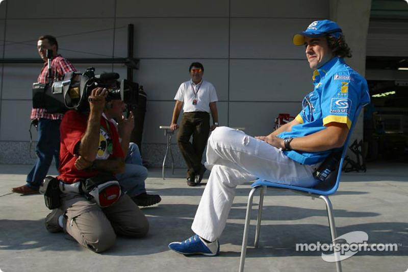 阿隆索接受采访(2004)