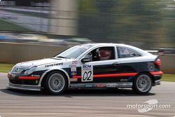Scott Poirier (n°02 Mercedes-Benz C230 Coupe)