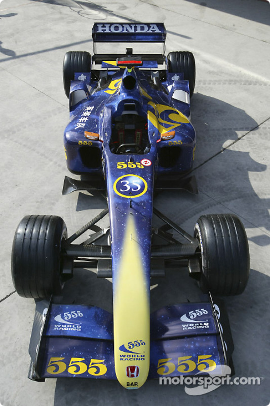 f1-chinese-gp-2004-the-555-livery-on-ant