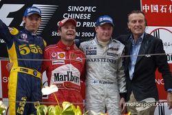 Podium: winnaar Rubens Barrichello met Jenson Button, Kimi Raikkonen en Luca di Montezemelo