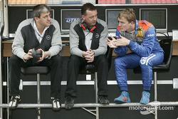Opel's Ernst Moser et Frank Lynn avec Marcel Fassler