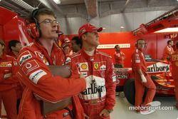 Michael Schumacher ve Cris Dyer