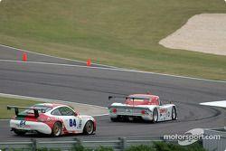La Lexus Riley n°01 CGR Grand Am : Scott Pruett, Max Papis, et la Porsche GT3 RS n°84 Acme Motorsport : Paul Mortimer, Tim McKenzie