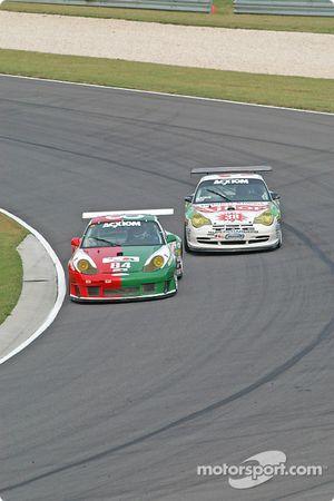 La Porsche GT3 RS n°84 Acme Motorsport : Paul Mortimer, Tim McKenzie, et la Porsche GT3 Cup n°38 TPC Racing : Marc Bunting, Andy Lally