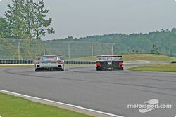 La Pontiac Crawford n°4 Howard - Boss Motorsports : Butch Leitzinger, Elliott Forbes-Robinson, et la Porsche Fabcar n°59 Brumos Racing : Hurley Haywood, J.C. France