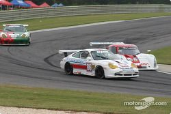 La Porsche GT3 Cup n°86 G&W Motorsports : Mae Van Wijk, Craig Stanton, et la Lexus Riley n°02 CGR Gr