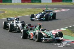 Mark Webber por delante de David Coulthard