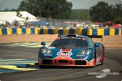 #34 Gulf Racing McLaren F1 GTR: Lindsay Owen-Jones, Pierre-Henri Raphanel, David Brabham