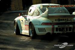 #37 Konrad Motorsport, Porsche 911 GT2 Evo: Franz Konrad, Antonio Hermann, Wido Rössler