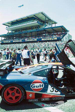 Gulf McLaren sur la pré-grille
