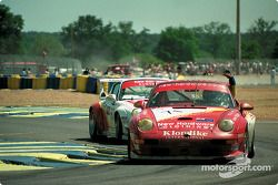 #71 New Hardare Racing, Porsche 911 GT2: Bill Farmer, Greg Murphy, Robert Nearn