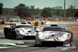 #25 Porsche AG Porsche 911 GT1: Hans Stuck, Thierry Boutsen, Bob Wollek, #26 Porsche AG Porsche 911 GT1: Karl Wendlinger, Yannick Dalmas, Scott Goodyear
