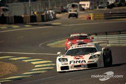 #38 Bigazzi Team, McLaren F1 GTR: Jacques Laffite, Steve Soper, Marc Duez
