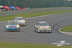 La Porsche GT3 Cup n°37 TPC Racing : John Littlechild, Jean-François Dumoulin, et la Porsche GT3 RS n°66 The Racers Group : Ian James, RJ Valentine, Chris Gleason