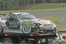 La Porsche GT3 Cup n°37 TPC Racing : John Littlechild, Jean-François Dumoulin endommagée