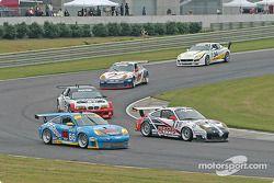 La Porsche GT3 RS n°66 The Racers Group : Ian James, RJ Valentine, Chris Gleason, et la Porsche GT3