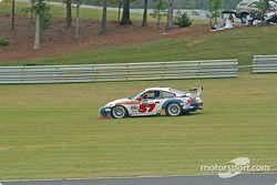 La Porsche GT3 RS n°57 Stevenson Motorsports / Auto Assets : Chip Vance, John Stevenson hors-piste