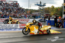 Pro Stock Bike final, Angelle Savoie wins over Antron Brown