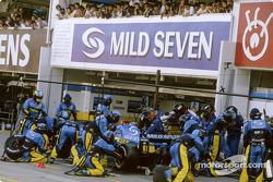 Pitstop for Jacques Villeneuve