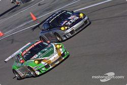 #67 The Racers Group Porsche 911 GT3 RSR: Pierre Ehret, Robert Julien, #43 BAM! Porsche 911 GT3 RSR: