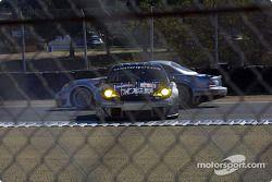 #43 BAM! Porsche 911 GT3 RSR: Leo Hindery, Lucas Luhr, Sascha Maassen in trouble
