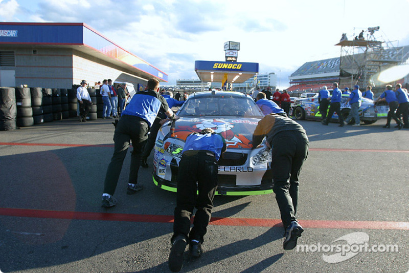 The rush to the fuel station after practice
